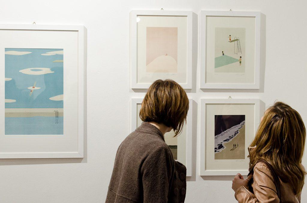 Alcune illustrazioni di Shout nella mostra Rivisti