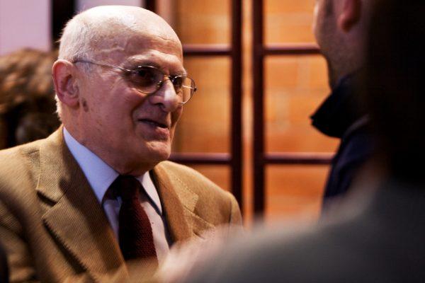 Tony Wolf alla mostra La saggezza popolare, Sala degli Alabardieri del Comune di Cremona (28 febbraio 2009, foto di Fabio Iaschi)