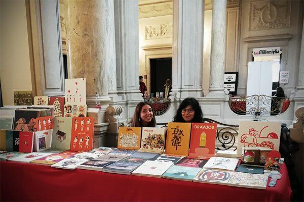Rosa e Letizia e lo stand di Tapirulan alla rassegna della Microeditoria di Chiari 2018