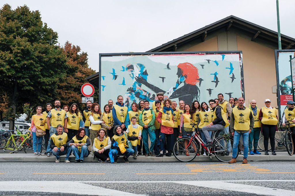 Foto di gruppo alla biciclettata di Affiche con Elisa Talentino - Foto di Michele Prosperi